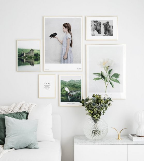 Picture wall beautiful motifs gold frames
