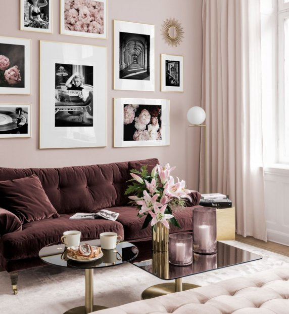 Pink gallery wall with Marilyn Monroe and posters in black and white