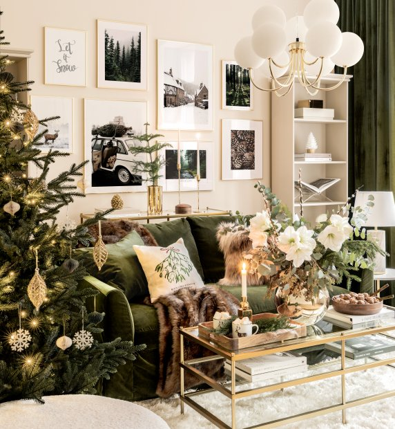 Winter gallery wall Christmas posters golden frames